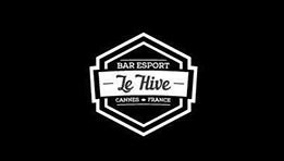 Le Hive, un bar food, dring et gaming situé en face de la gare de Cannes près du Palais des Festivals