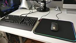 Test Steelseries QcK Prism : un tapis de souris lumineux pour gameur