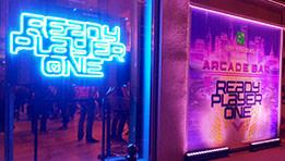 Venez visiter L'ARCADE BAR organisé par BNP Paribas. Un lieu très inspiré du film Ready Player One et des années 80