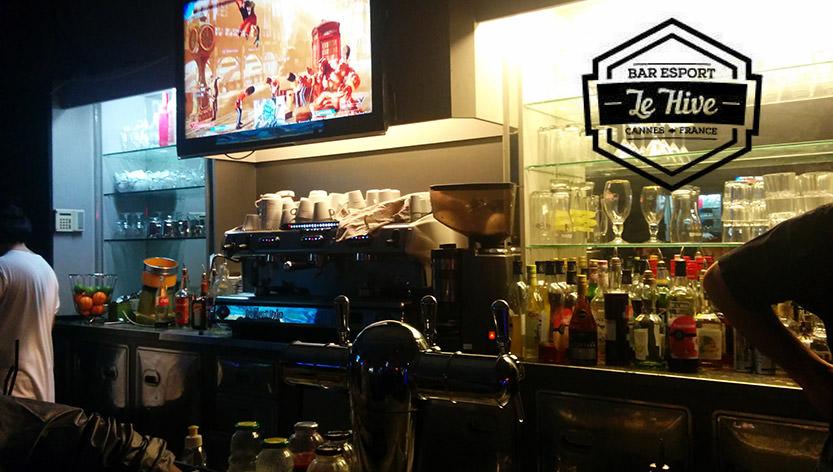 Le Hive, un bar eSport à Cannes