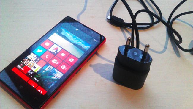 Nokia Lumia 820 : un bon smartphone milieu de gamme.