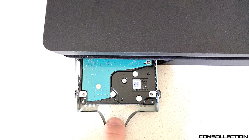 Changer le disque dur de sa console PS4 Slim