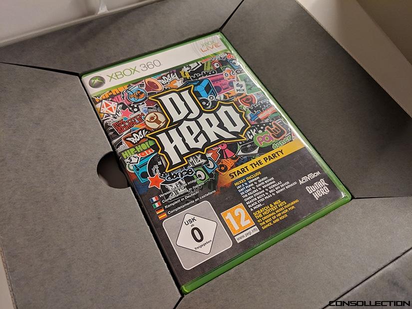 Un exemplaire du jeu DJ Hero soigneusement sauvegardé à la BNF